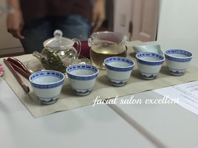 4月15日(土)中国茶講座 残席一名になりました。