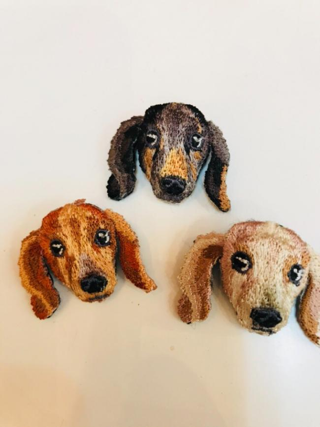 柴犬とダックスのブローチ