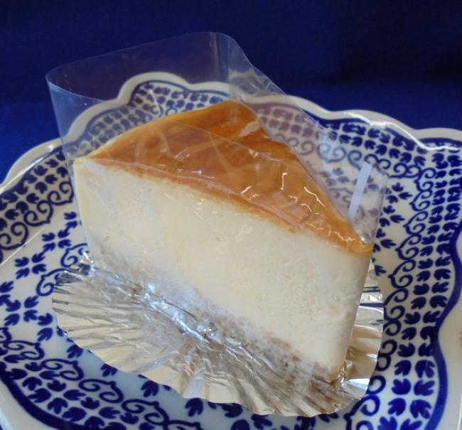 ズッシリ濃厚チーズケーキ