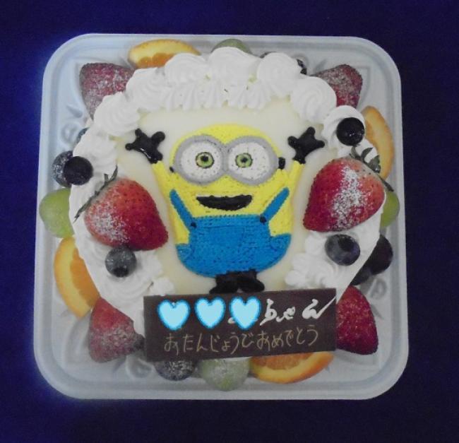 イラストケーキ【ミニオンズのボブ・仮面ライダービルド・にせつむり】